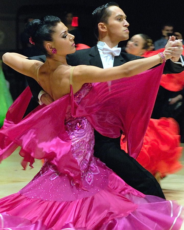 Argentine Tango for Ballroom Dancers