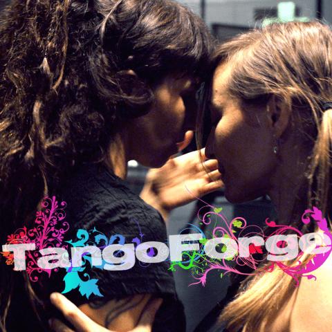 tangoforge viofrauke hand flower text
